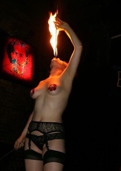 Polykání ohně